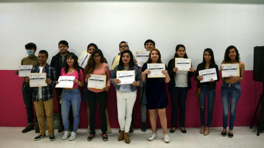 Concluyen estudios alumnos de Iztapalapa IV