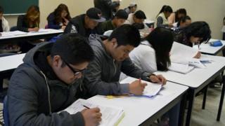 Decenas de miles de estudiantes reanudan actividades académicas de media superior en la CDMX